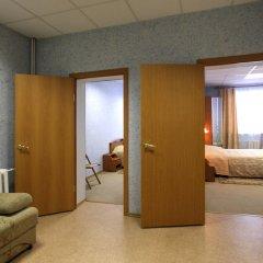 Гостиница Арктика в Тюмени 9 отзывов об отеле, цены и фото номеров - забронировать гостиницу Арктика онлайн Тюмень комната для гостей фото 5