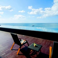 Отель Surin Beach Resort 4* Улучшенный номер с двуспальной кроватью фото 6