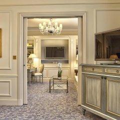 Отель Four Seasons George V Paris фото 8