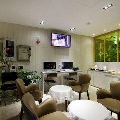 Donggyeong Hotel интерьер отеля