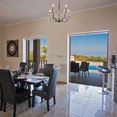 Отель Akefalou Sea View Villa Кипр, Протарас - отзывы, цены и фото номеров - забронировать отель Akefalou Sea View Villa онлайн гостиничный бар