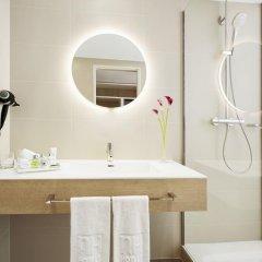 Отель NH Collection Hamburg City 4* Улучшенный номер с различными типами кроватей фото 5