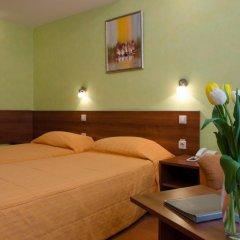 Adelfiya Hotel 2* Стандартный номер с двуспальной кроватью фото 3