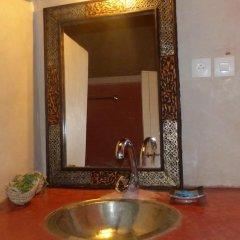 Отель Riad Tabhirte ванная