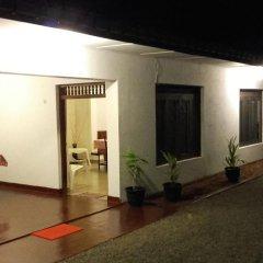 Отель Kingdom Tourist Resort Шри-Ланка, Анурадхапура - отзывы, цены и фото номеров - забронировать отель Kingdom Tourist Resort онлайн вид на фасад