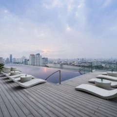 AVANI Riverside Bangkok Hotel бассейн фото 2