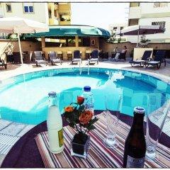 Comfort Hotel бассейн
