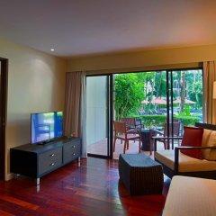 Отель Novotel Phuket Surin Beach Resort 4* Стандартный номер с двуспальной кроватью фото 9