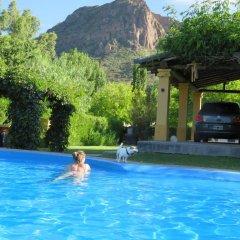 Отель Chalet Ailinco Сан-Рафаэль бассейн