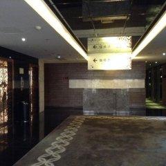 The Luxe Manor Hotel интерьер отеля