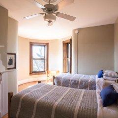Отель Found Places Capitol Hill Bed & Breakfast 3* Стандартный номер с различными типами кроватей