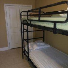 DC International Hostel 1 Кровать в общем номере с двухъярусной кроватью
