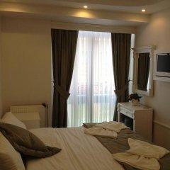 Отель La Petite Maison 3* Стандартный номер с двуспальной кроватью фото 13