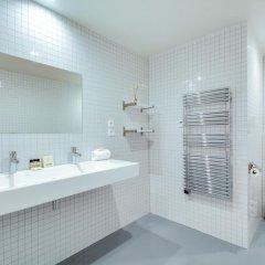 Отель Sweet Inn Apartments - Temple Франция, Париж - отзывы, цены и фото номеров - забронировать отель Sweet Inn Apartments - Temple онлайн ванная