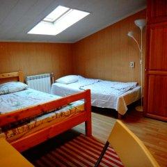 Хостел Арина Родионовна Стандартный семейный номер с двуспальной кроватью (общая ванная комната) фото 2
