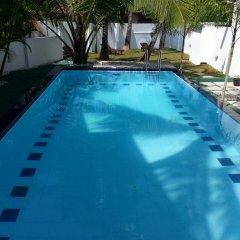 Отель Rovenrich бассейн фото 3