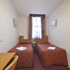 Seymour Hotel 2* Стандартный номер с двуспальной кроватью фото 14