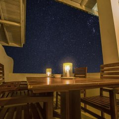 Отель Avenra Beach Hikkaduwa 4* Номер Делюкс с различными типами кроватей фото 9