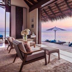 Отель One&Only Reethi Rah 5* Вилла с различными типами кроватей фото 17