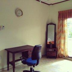 Отель Sunrise Beach Inn Шри-Ланка, Пляж Golden Mile - отзывы, цены и фото номеров - забронировать отель Sunrise Beach Inn онлайн спа