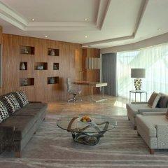 Отель Andaz Capital Gate Abu Dhabi - A Concept By Hyatt 5* Представительский люкс фото 4