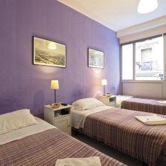 Отель Hostal Elkano Барселона сейф в номере