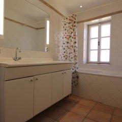 Отель Vlasska House At the 3 Swallows Чехия, Прага - отзывы, цены и фото номеров - забронировать отель Vlasska House At the 3 Swallows онлайн ванная