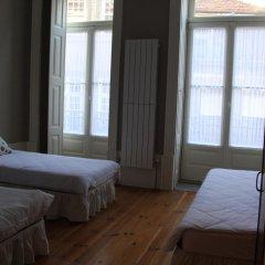 Being Porto Hostel Стандартный номер с различными типами кроватей (общая ванная комната) фото 2