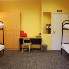 Хостел LikeHome Кровать в женском общем номере фото 9