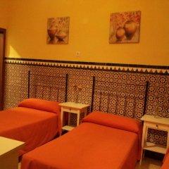Отель Pension Catedral 2* Стандартный номер с двухъярусной кроватью (общая ванная комната)