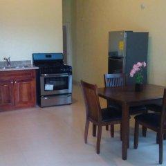 Отель Palm Bay Guest House & Restaurant Ямайка, Монтего-Бей - отзывы, цены и фото номеров - забронировать отель Palm Bay Guest House & Restaurant онлайн в номере