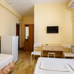Гостиница Guest House Vinogradnaya 4 в Анапе отзывы, цены и фото номеров - забронировать гостиницу Guest House Vinogradnaya 4 онлайн Анапа комната для гостей фото 2