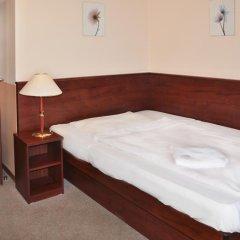 Hotel Inturprag 3* Стандартный номер с различными типами кроватей фото 4