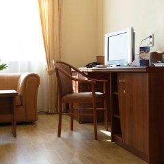 Гостиница Максима Заря 3* Семейный номер двуспальная кровать фото 2