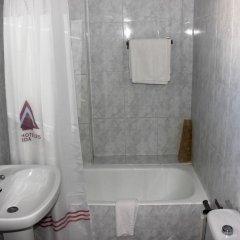 Отель Club Maritimo at Ronda III Испания, Фуэнхирола - отзывы, цены и фото номеров - забронировать отель Club Maritimo at Ronda III онлайн ванная