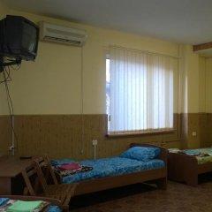 Hostel Mnogoborets F. Klub Одесса комната для гостей фото 5