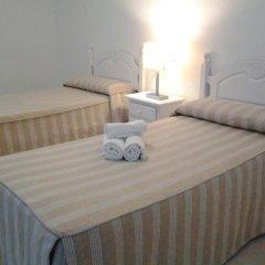 Отель Hostal El Arco Номер категории Эконом с различными типами кроватей фото 3