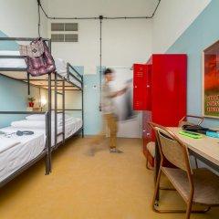 Fabrika Hostel & Suites - Hostel Кровать в общем номере с двухъярусной кроватью фото 2