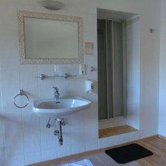 Hotel Haus Am See 3* Стандартный номер с различными типами кроватей фото 17