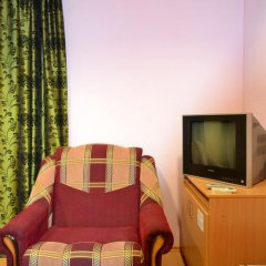 Hotel Oktyabr'skaya On Belinskogo Стандартный семейный номер разные типы кроватей фото 11