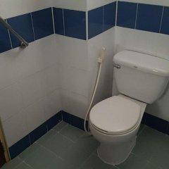 Отель Pinthong house ванная