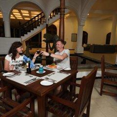 Отель Royal Beach Resort Шри-Ланка, Индурува - отзывы, цены и фото номеров - забронировать отель Royal Beach Resort онлайн питание фото 3