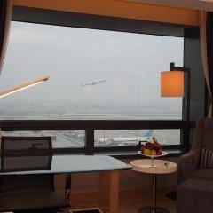 Shanghai Hongqiao Airport Hotel 4* Номер Делюкс с различными типами кроватей фото 2