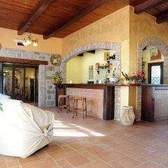 Отель Il Drago Azienda Turistica Rurale Италия, Айдоне - отзывы, цены и фото номеров - забронировать отель Il Drago Azienda Turistica Rurale онлайн гостиничный бар