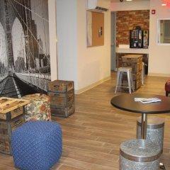 Jazz on Columbus Circle Hostel гостиничный бар