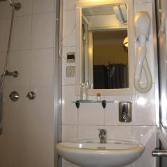 Отель Residencial Faria Guimarães Стандартный номер 2 отдельными кровати фото 8