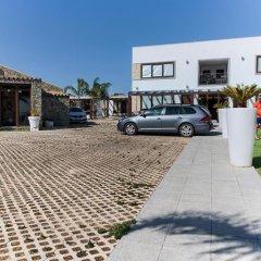 Отель El Caseron de Conil & Spa Испания, Кониль-де-ла-Фронтера - отзывы, цены и фото номеров - забронировать отель El Caseron de Conil & Spa онлайн парковка