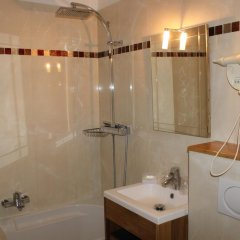 Отель Metropolitain Франция, Париж - отзывы, цены и фото номеров - забронировать отель Metropolitain онлайн ванная