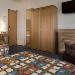 Отель Hôtel de Suez 2* Стандартный номер с различными типами кроватей фото 3