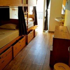 Yes! Lisbon Hostel Кровать в общем номере фото 4